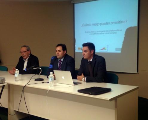 El alcalde de Almansa inaugura una charla sobre la responsabilidad penal de los empresarios